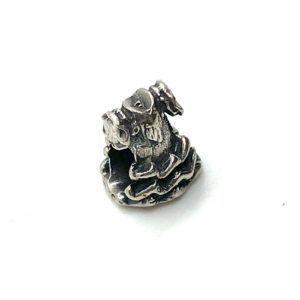 Charm Traje de flamenca fabricado en plata de Primera Ley. Compatible con pulsera Pandora.