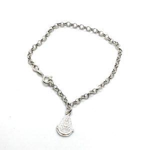 Pulsera con cadena rolo y medalla colgante silueta de la Virgen del Rocío. Fabricada en Plata de Primera Ley.
