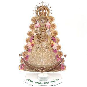 Sobremesa metacrilato Virgen del Rocío con porta vela para iluminar la bendita imagen. Incluye vela lamparilla.