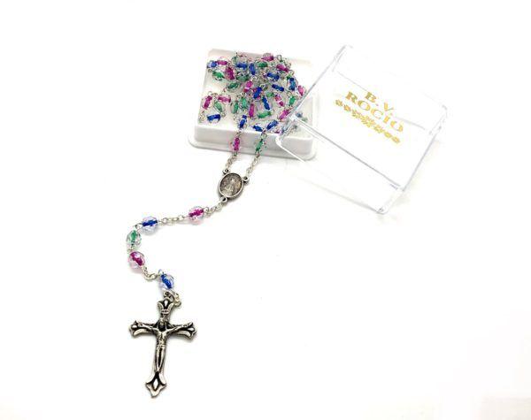 Rosario Virgen del Rocío formado por cuentas grandes y ovaladas de diferentes colores. Incluye Crucifijo de metal.