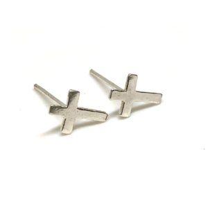 Pendientes cruz elaborados en Plata de 1ª Ley.