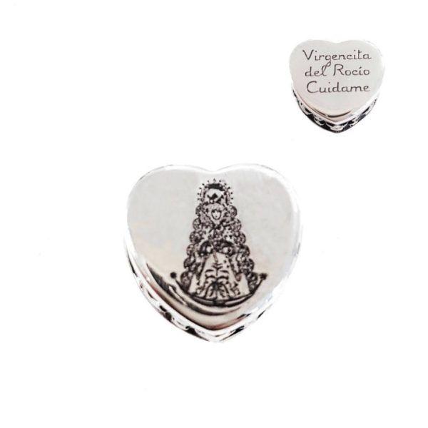 """Charm corazón Virgen del Rocío de Reina y reverso con texto """" VIRGENCITA DEL ROCIO CUIDAME"""" fabricado en Plata de Primera Ley. Compatible con pulsera Pandora."""